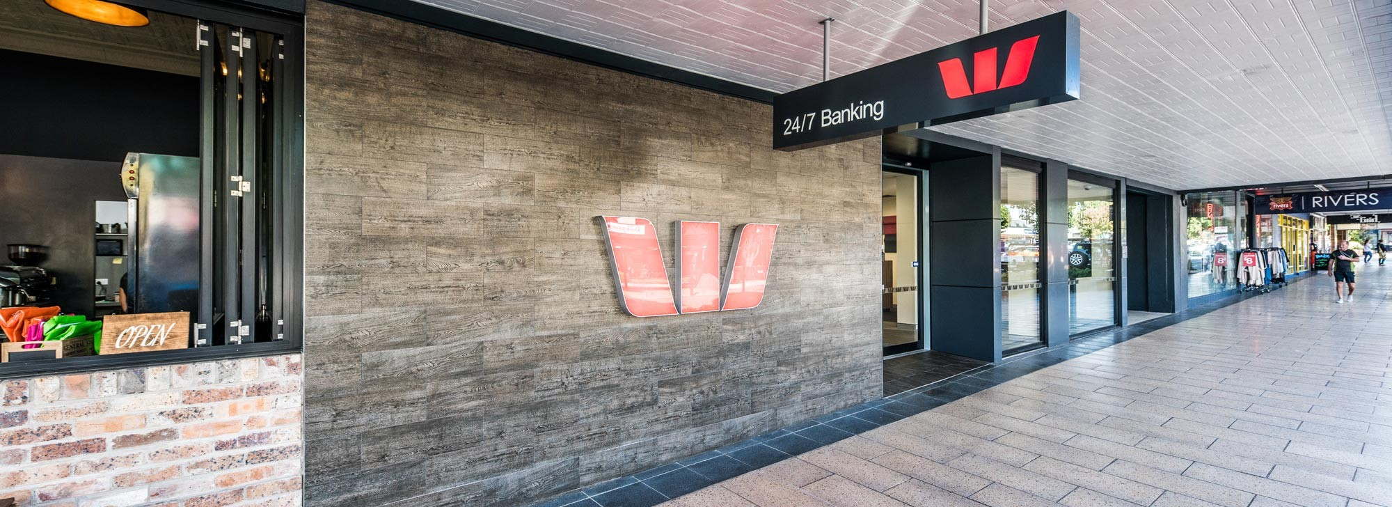 Westpac-Waltons-Stores-Toowoomba1